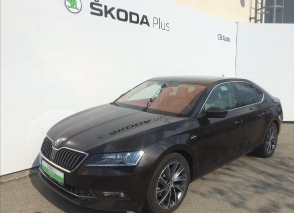 ŠKODA Superb liftback
